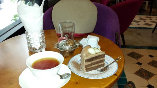 Matcha chiffon cake. - Foto di Serendib Tea room, Bangkok ...