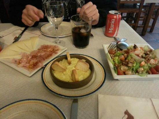 Restaurante Posada Tintes : Primero entrantes del menú degustación.