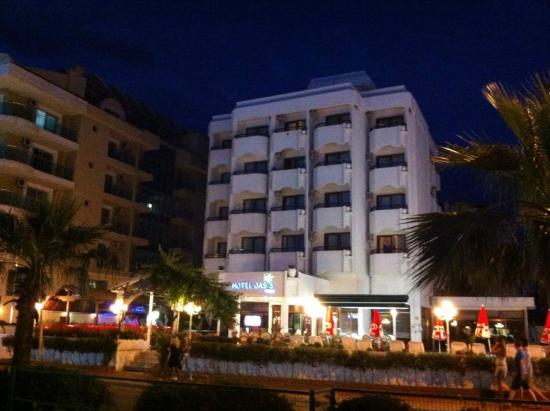 Oasis Hotel: otel dış cephe