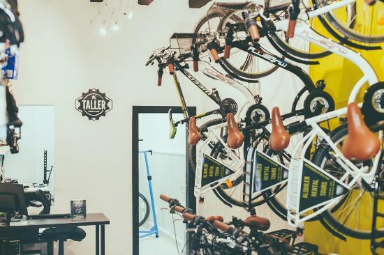 Formula Extrem Bike Shop Sitges