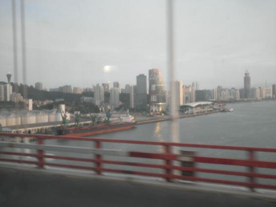 Haicang Bridge: 第一埠頭を望む