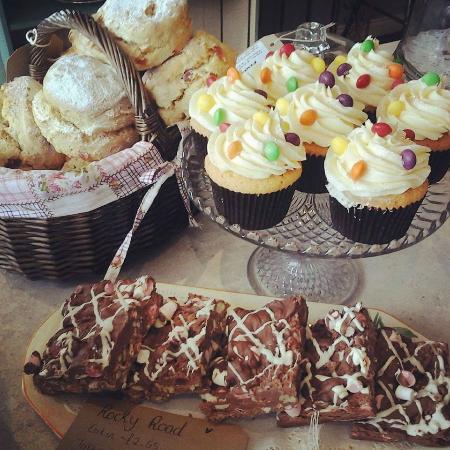 Cakes d'Licious