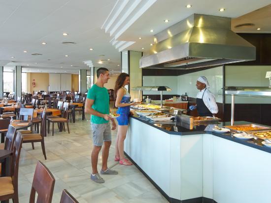 Comedor Buffet - Picture of Illot Suites & Spa, Cala Ratjada ...