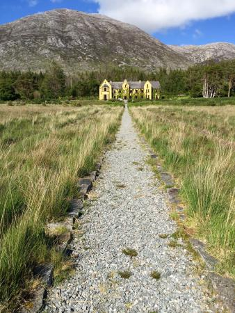 Lough Inagh Lodge: Beautiful scenic spot