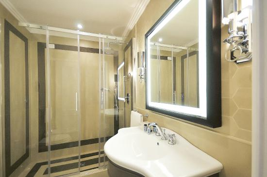 Grand Hotel Santa Lucia: Bagno Camera Executive