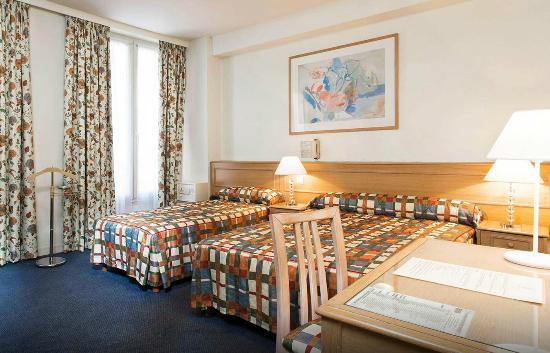 Hotel de Suez: Room