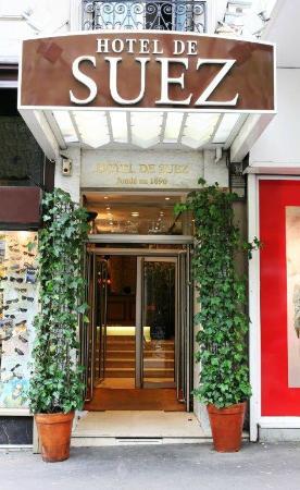 Hotel de Suez: Entrance