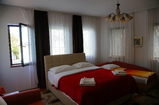 Pansion Cardak: Our bedroom