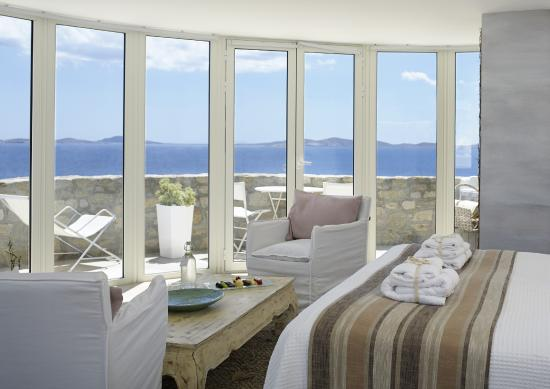 Rocabella Mykonos Art Hotel & SPA: Front Sea View Suite