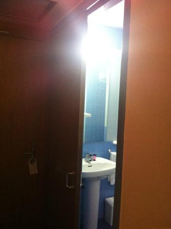 Residencia d'Investigadors: Baño