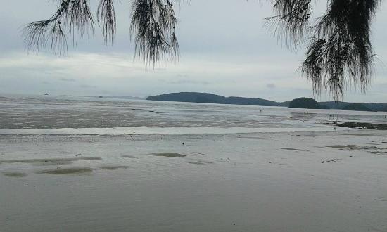 Aonang Buri Resort: ทะเลหน้ารีสอร์ท