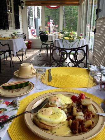 Holiday Guest House Bed & Breakfast: wonderful breakfast