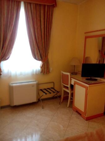 Hotel Regit: Комната