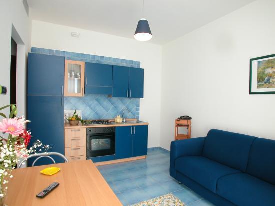 Soggiorno e cucina - Picture of Residence Hotel Panoramic, Maiori ...