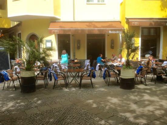 ProMo: Pleasant atmosphere, child-friendly