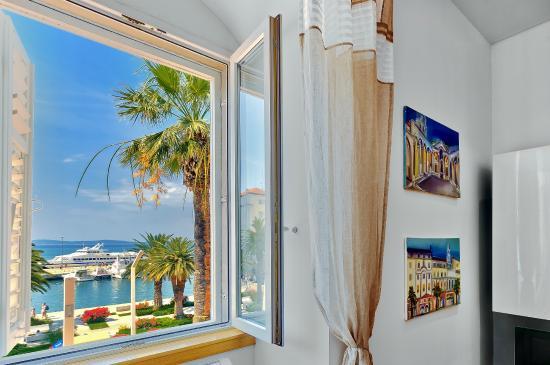 Riva Apartments: Apartment VALERIA living room sea view