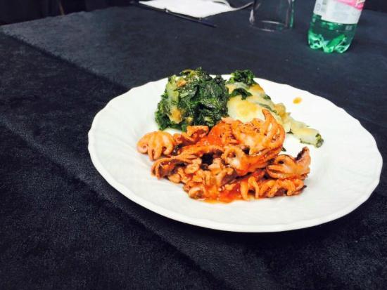 Ristorante MACRO 138 : Moscardini al sugo di pachino di e spinaci in crosta di formaggi