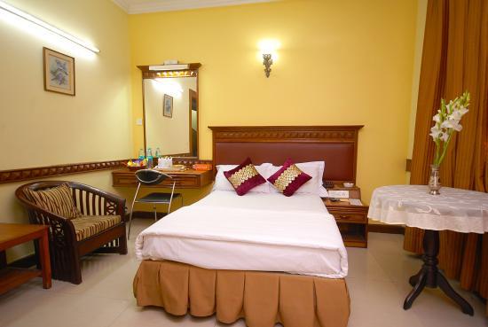 Lamba's House : Room