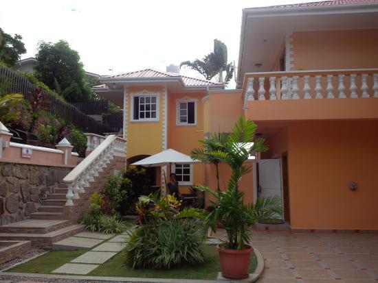 Terrasse Spacieuse : Terrasse spacieuse des appartements avec vue mer Picture