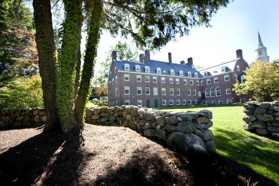 Andover Inn: Exterior