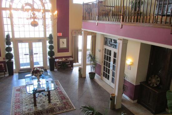White Columns Inn: Lobby