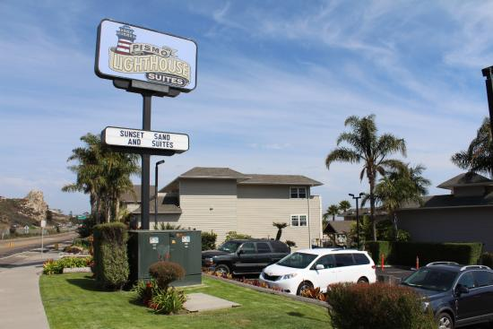 Pismo Lighthouse Suites Hotel Sign