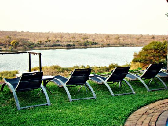 Buhala Lodge: View over the river
