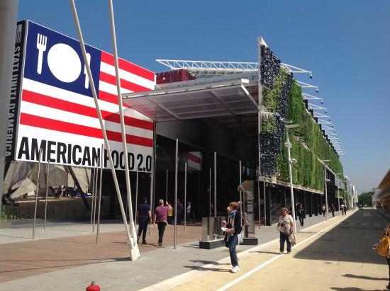 Expo Milano Stands : Stand degli usa con l orto verticale foto di expo