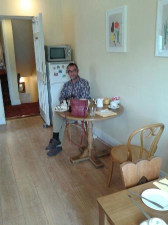 Gate Lodge Guesthouse: Het kleine eetkamertje
