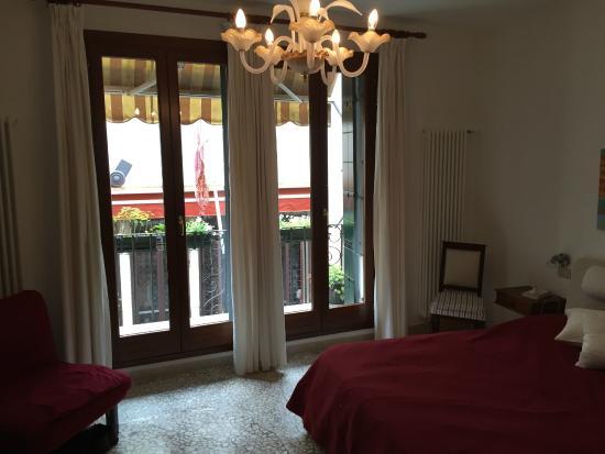 Al Teatro Bed & Breakfast: Amber Room
