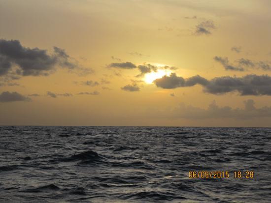 Симпсон-Бей, Сен-Мартен – Синт-Мартен: Sunset from the Passaat