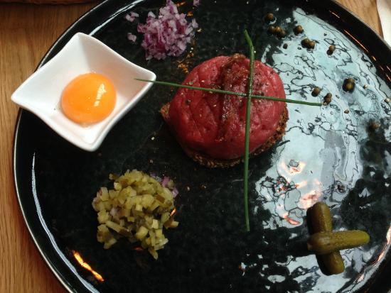 Starter Beef Tartar Bild Von Kuchnia Bar Restauracja Bydgoszcz