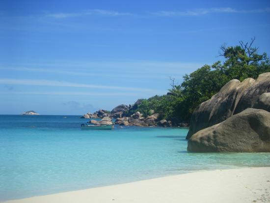 Wyspa Praslin, Seszele: A droite de la plage
