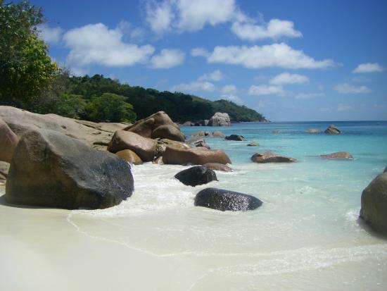 Wyspa Praslin, Seszele: A gauche de la plage