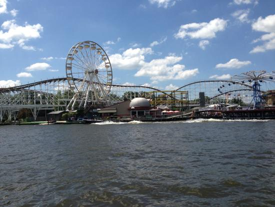 Monticello, IN: Indiana Beach!  Just a 5 minute ferry boat ride away