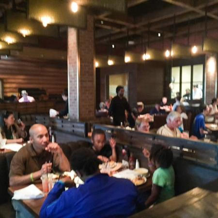 Wood Ranch BBQ & Grill: Mostly booths - Photo1.jpg - Picture Of Wood Ranch BBQ & Grill, Springfield