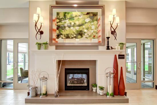 fireplace in the lobby at hilton garden inn woodbridge va - Hilton Garden Inn Woodbridge