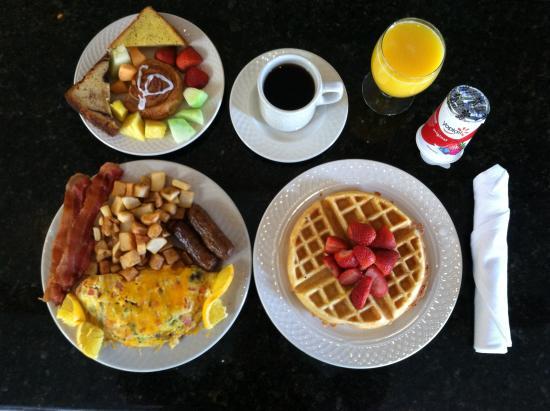 Hilton Garden Inn Memphis Southaven: Enjoy our Chef's freshly prepared Garden Grill Breakfast
