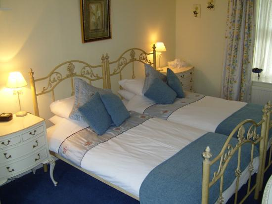 Fenwick, UK: The Primrose twin room