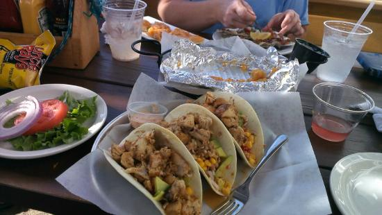 Hammerheads Dockside: My fish tacos