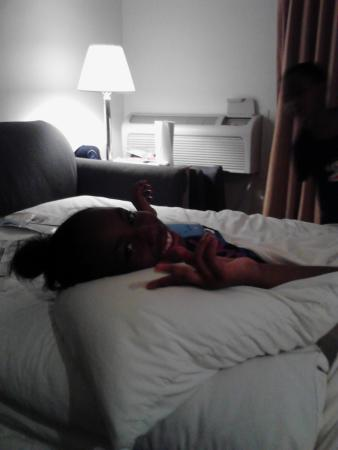 Red Roof Inn Palm Coast : kid chillen out