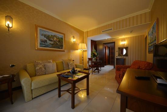 Diamond Naxos-Taormina : Room