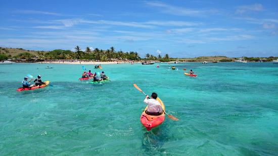 Cul de Sac, Saint-Martin : Kayaking adventures to Pinel Island