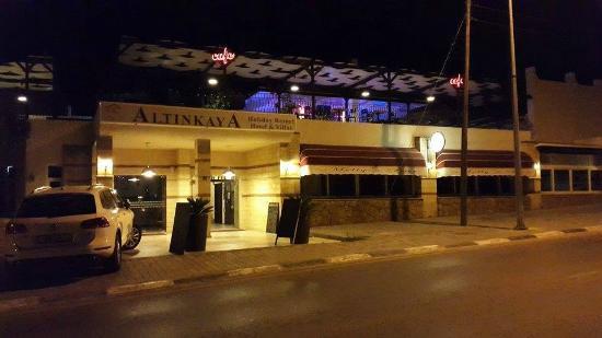 Altinkaya Holiday Resort: Sports bar