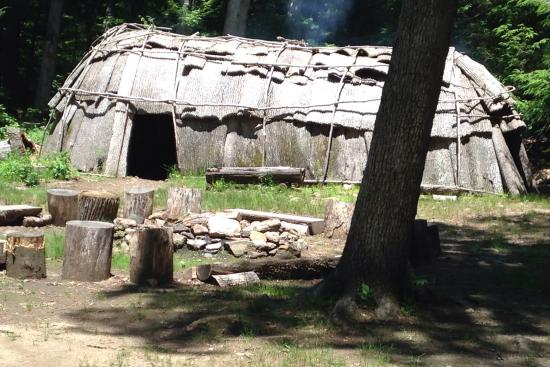 Washington, CT: The longhouse inside and out.