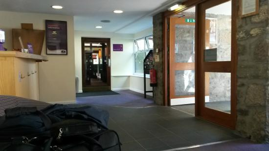 Premier Inn Dundee West Hotel: Reception1