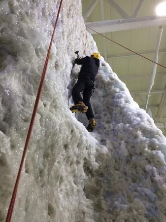 Soar Braehead: Ice wall climbing