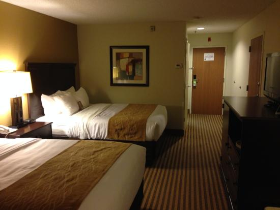 Immaculate Room Picture Of Comfort Inn Amp Suites Hot