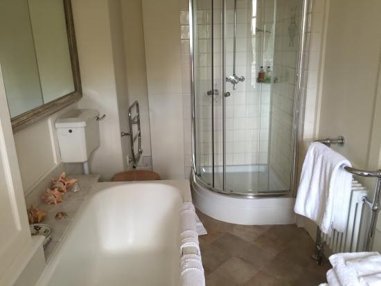 Badezimmer Dusche Mit Schr?ge : Badezimmer Dusche Mit Schr?ge : Badezimmer mit Dusche Picture of