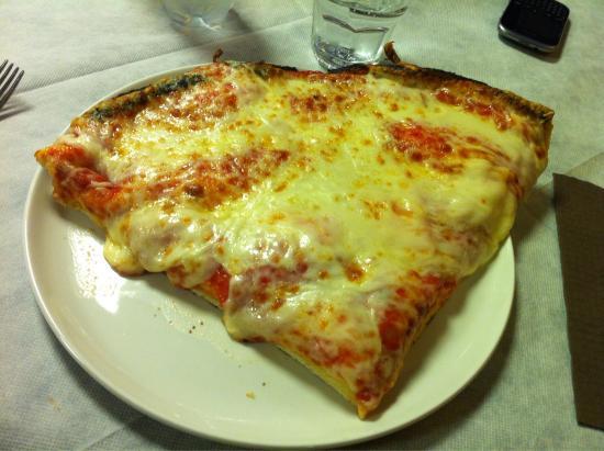 Pizzeria da Adriano: La migliore! La margherita!